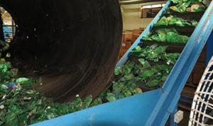 13ba498b PerPETual produce hilados para indumentaria a partir del reciclado de  botellas Pet